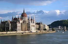 Több érdekes eladó ingatlan Budapest 2. kerületében